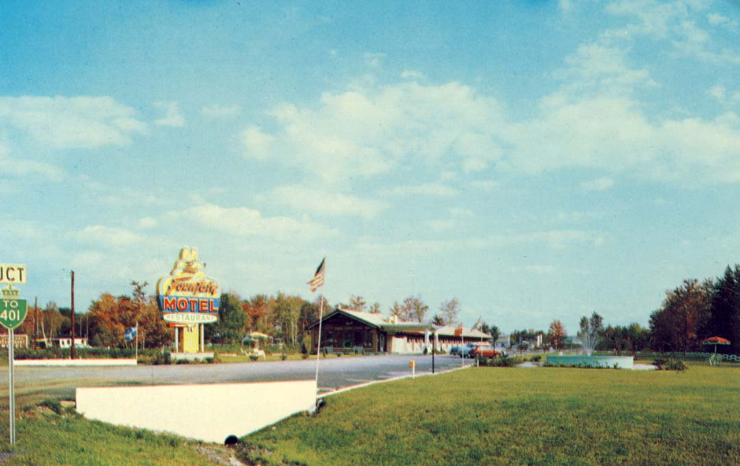 Fountain Motel and Restaurant, on No. 2 Highway West, Cornwall, Ontario postcard